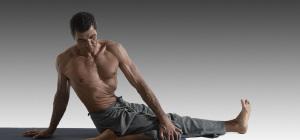 "Ashtanga Yoga Innovation (AYI®) - Das Knie ""eine Frage der Balance"""